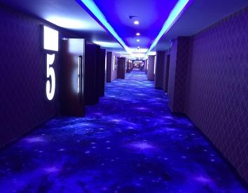 重庆某高端会所走廊地毯安装